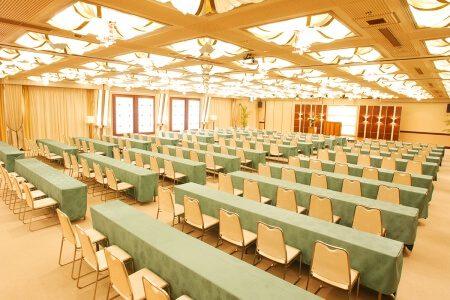 會議形式(課桌式會議/200名) / 太陽之間