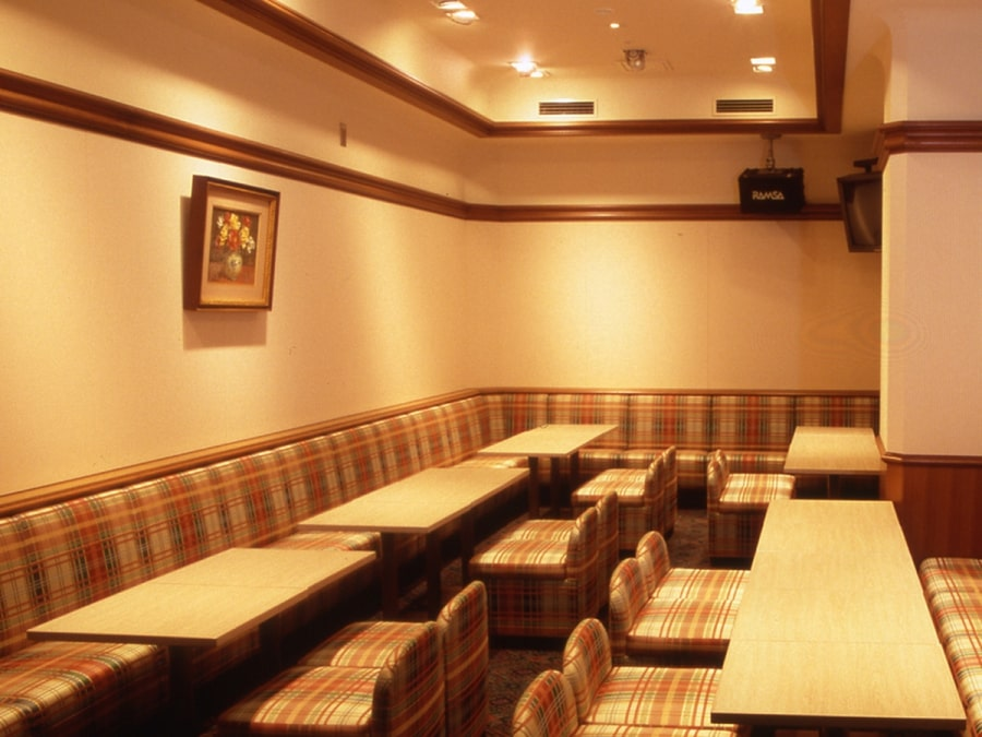 高知 ホテル城西館一階 ナイトラウンジ 翡翠・瑠璃