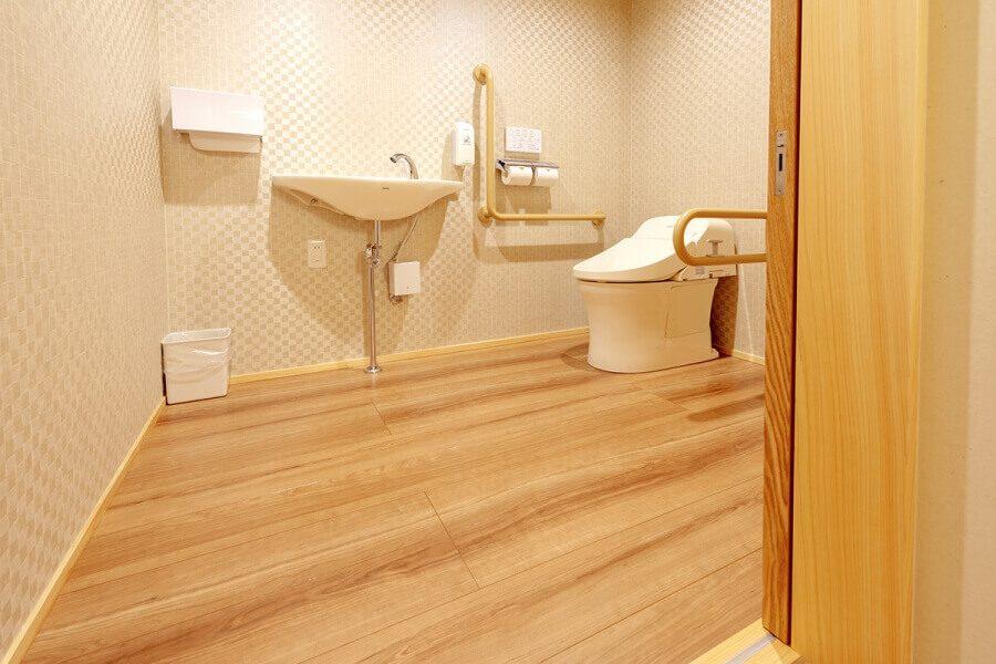 天誠 バリアフリー特別室 トイレ