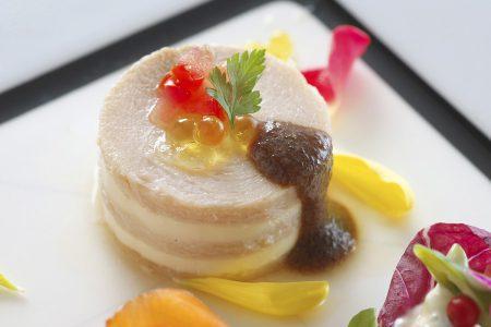 鶏胸肉黒糖風味とマスカルポーネのミルフィーユ