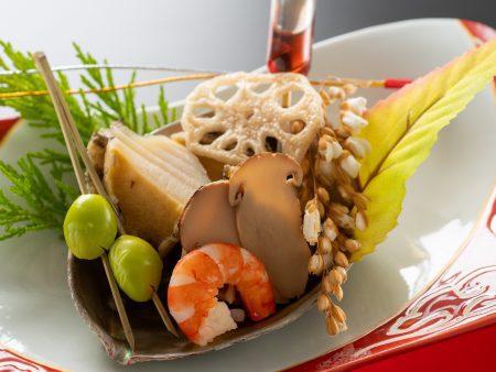 【前菜】鮑の柔らか煮に旬の焼き松茸を添え、トリュフで香りづけしたソースでお召し上がりいただく