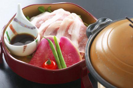 松肴「四万十産美鮮豚の陶板焼き」