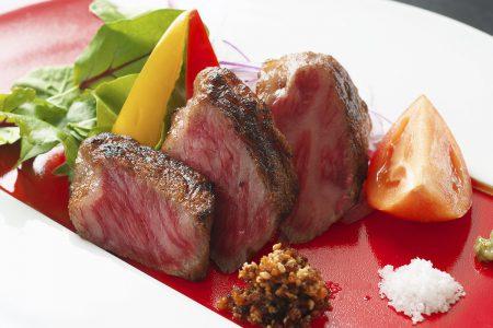 松肴「黒毛和牛の藁焼き炙りステーキ」