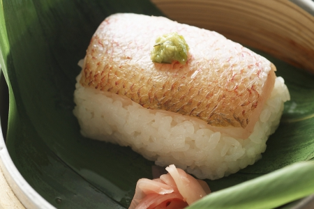 凌ぎ「高知県産のどぐろの蒸し寿司」