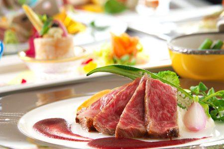 「ヴィアンド(肉)」和牛ロースステーキ 赤ワインソース 旬野菜添え