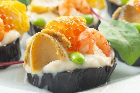 海鮮鮑柔らか煮と海老、ホタテ、イクラ、季節野菜 胡麻餡創酢
