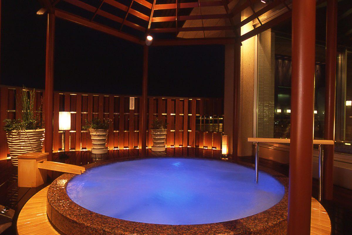 ホテル 城西館の展望風呂、露天風呂