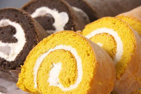 """はなまるマーケット""""おめざ""""で 紹介されたロールケーキ。楽天市場でもスイーツ販売中です!"""
